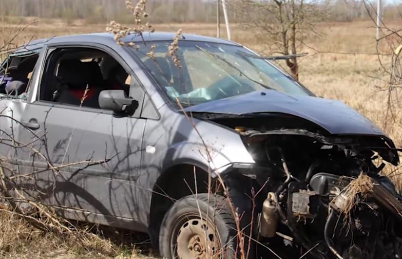 ДТП в Могилёвской области: машина зацепила обочину, вылетела в кювет и несколько раз перевернулась