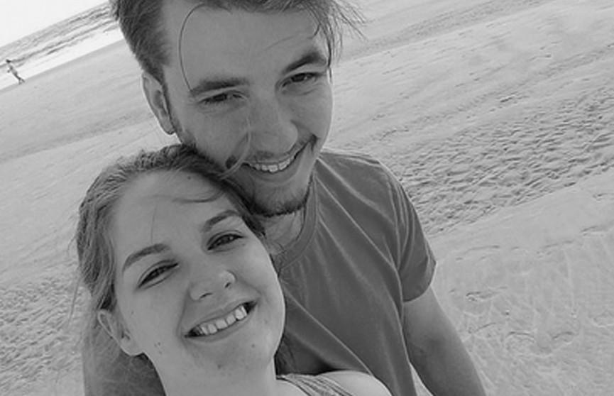 Американец впервые оказался в океане, запаниковал и утонул на глазах у жены