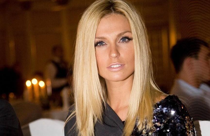 Из блондинки в брюнетку: Савельева удивила фанатов новым имиджем