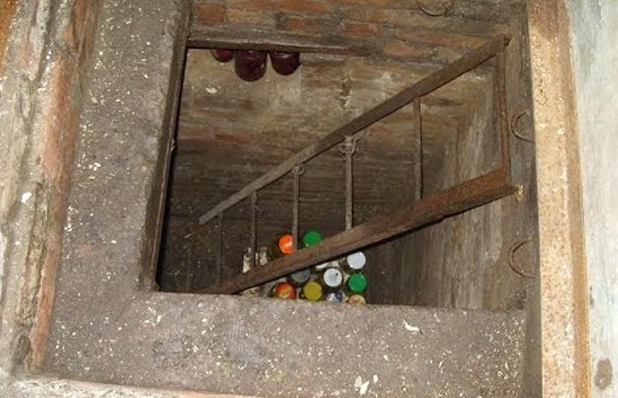 В Нидерландах отец прятал детей в подвале дома девять лет: они считали себя единственными людьми в мире