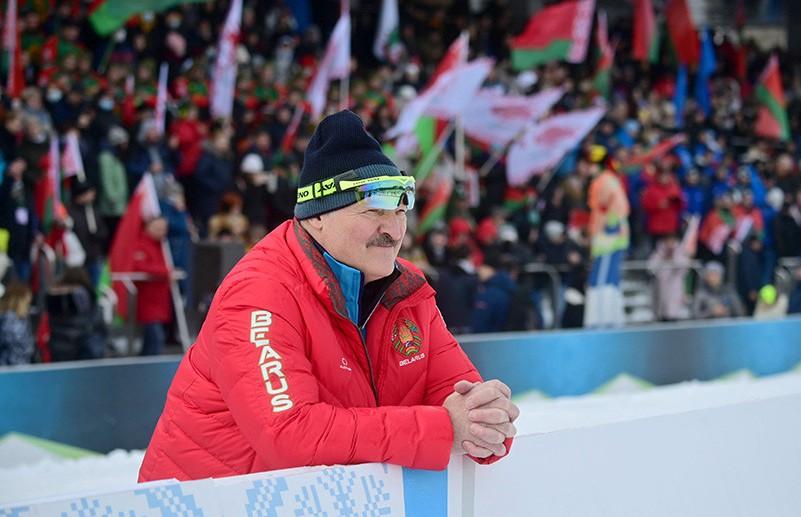 «Думаю, нам париться по этому поводу абсолютно не надо». Лукашенко прокомментировал ситуацию с НОК и участием Беларуси в Олимпиаде