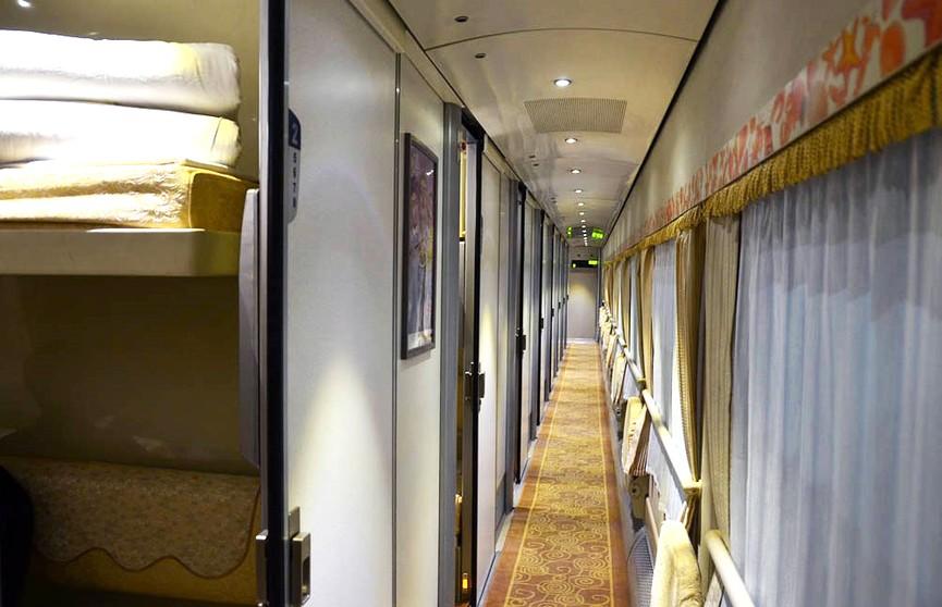 Оплачивать постельное бельё пассажиры БЖД смогут при покупке билета в кассе