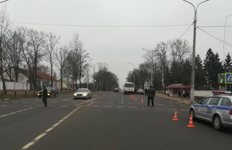 ДТП в Витебске: 11-летнюю девочку микроавтобус сбил на переходе