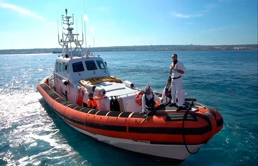 Спасатели пойдут под суд за то, что доставили нелегальных мигрантов к берегам Италии