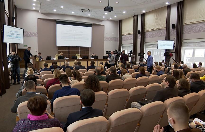Представлены основные положения проекта программы социально-экономического развития Беларуси до 2025 года: ВВП должен вырасти на 21,5%
