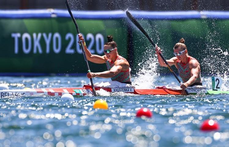 Олимпиада в Токио: белоруски Марина Литвинчук и Ольга Худенко заняли 6-е место в заездах байдарок-двоек на 500 м