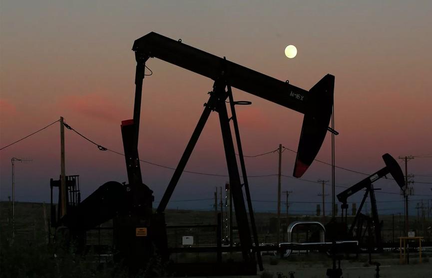 Цены на нефть обновили минимум. Сможет ли Беларусь извлечь выгоду из конфликта интересов крупных мировых игроков?