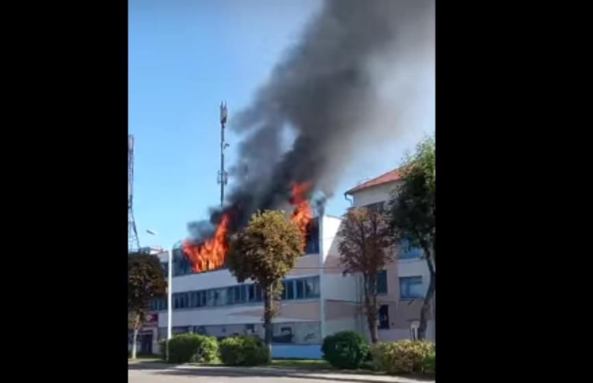 В Жлобине горело здание фабрики художественной инкрустации