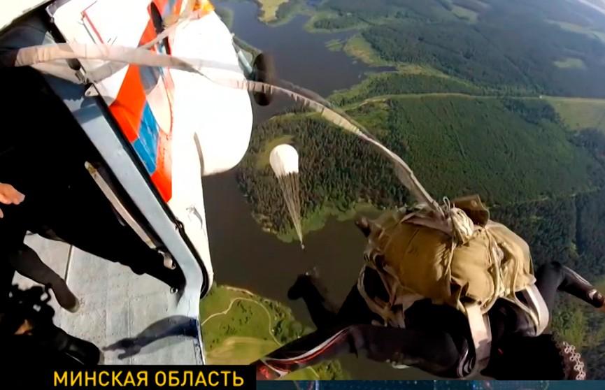 Белорусские спасатели провели масштабные учения на водохранилище в Смолевичском районе