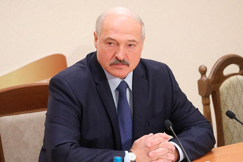 Лукашенко считает лицензирование белорусских врачей преждевременной мерой