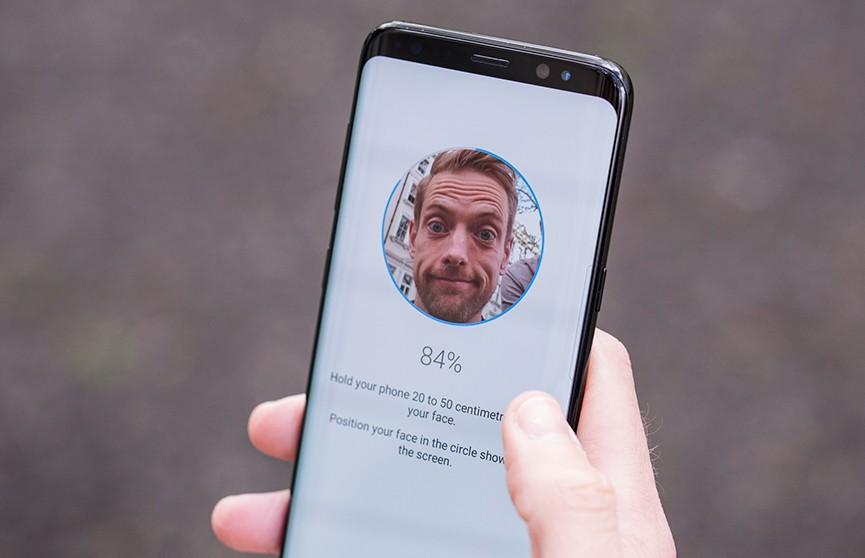 Функция распознавания лица флагманского смартфона не смогла отличить мужчину от женщины