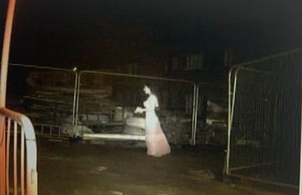 Невеста-призрак прогулялась по строительной площадке