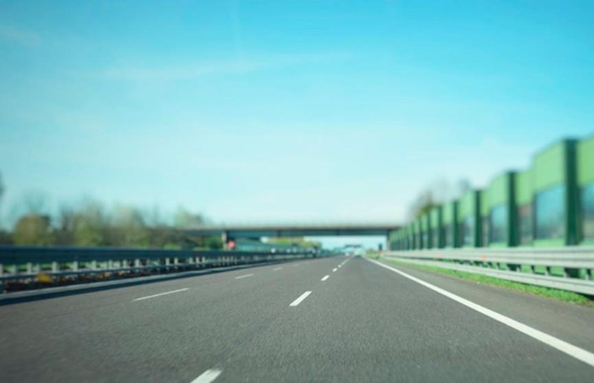 Платить по месяцам или включить в цену топлива: рассматриваются два варианта уплаты дорожного сбора