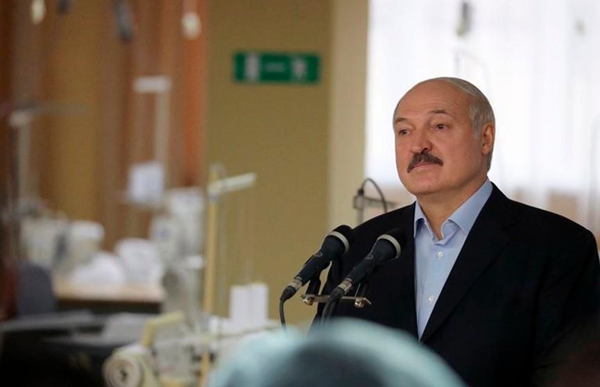 Лукашенко разрешил экспорт защитных масок после насыщения внутреннего рынка