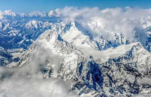Самую высочайшую вершину мира «укоротили»