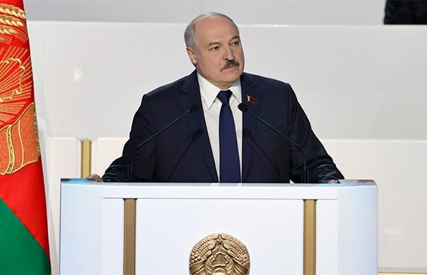 Лукашенко: Беларусь и Россия осенью проведут военные учения «Запад-2021»