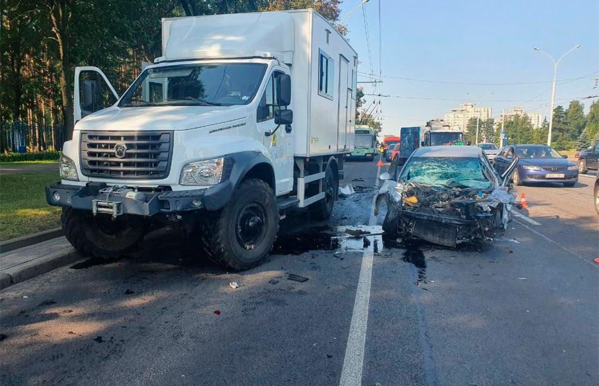 10 автомобилей столкнулись на пр. Независимости в Минске