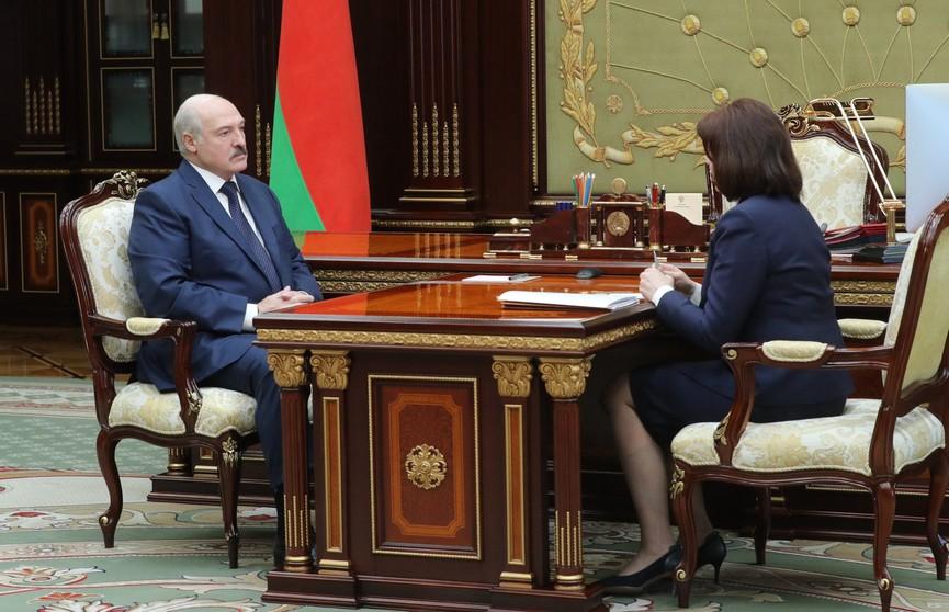 Лукашенко обсудил с Кочановой подготовку к выборам, экономику и ситуацию с коронавирусом