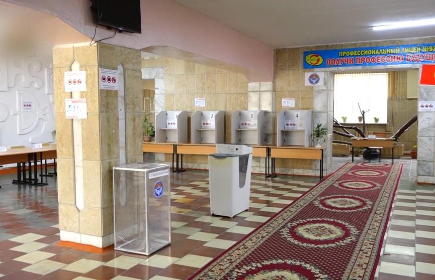 Усилить президентские полномочия: в Кыргызстане проводят референдум по изменениям в Конституцию