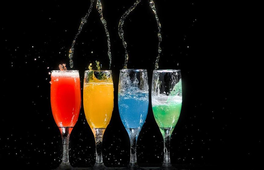 Вплоть до потери сознания: диетолог рассказала, какие напитки нельзя пить в жару