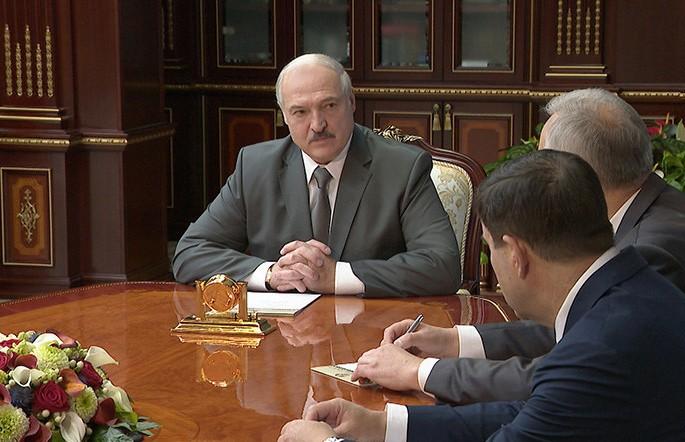 Лукашенко: не надо убаюкивать мирными акциями, мы видим, что в глубине происходит