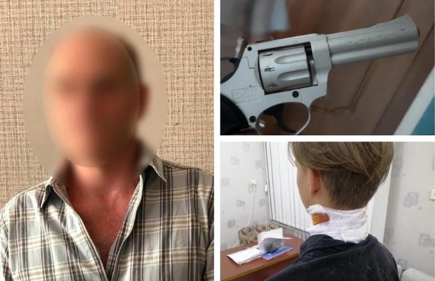 Украинец стрелял по трубам из окна и попал в шею подростку