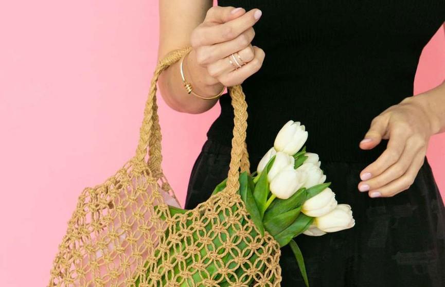 Американский модельер разработал дырявые сумки (ФОТО)