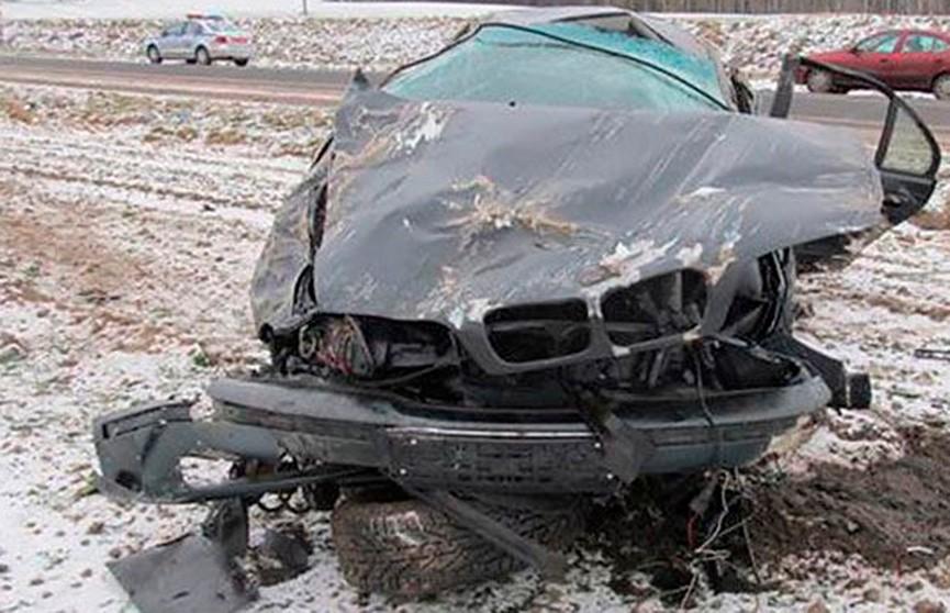 Легковушка под Борисовом съехала в кювет и опрокинулась: пассажир умер в больнице