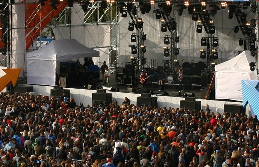 «Wargaming Fest: День танкиста» в Минске: бронированный The Offspring, клановые зарубы, развлечения и райский фудкорт