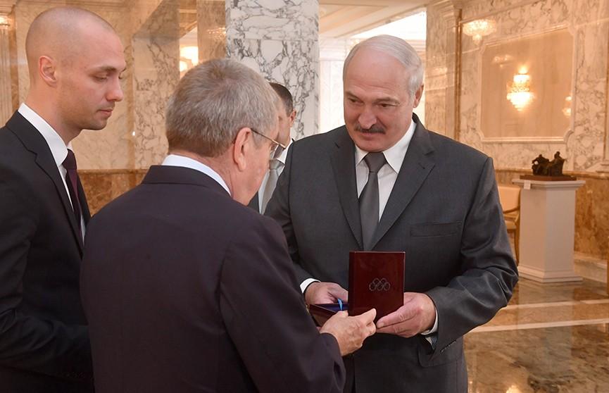 Александр Лукашенко встретился с Томасом Бахом во Дворце Независимости