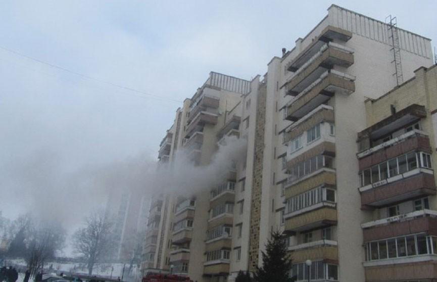 Двух человек из горящей квартиры спасли в Гродно