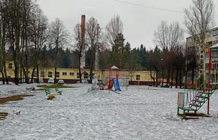 Черный снег в Полоцке: специалисты выяснили причину