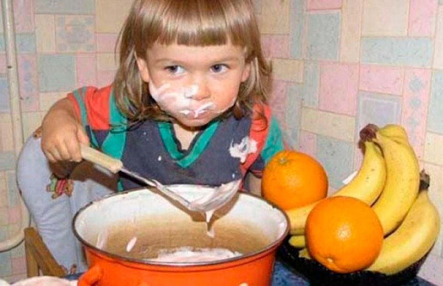 Посмотрите на них! Смешные фото детей. Второй малыш особенно умиляет, правда?
