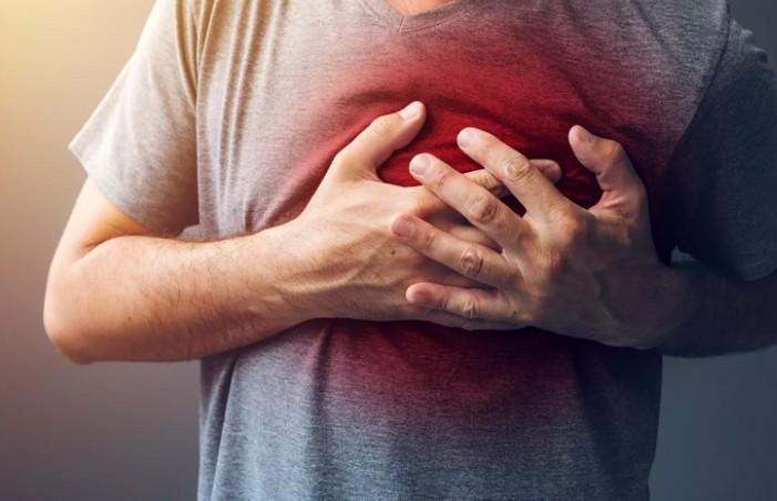 Неожиданный симптом скорого инфаркта назвал врач