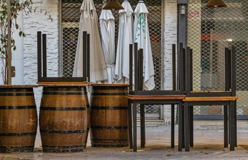 Работники ресторанов и отелей Испании выступили против ограничений, вызванных пандемией