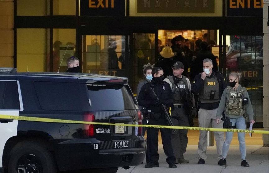 В США неизвестный открыл стрельбу в торговом центре, есть раненые