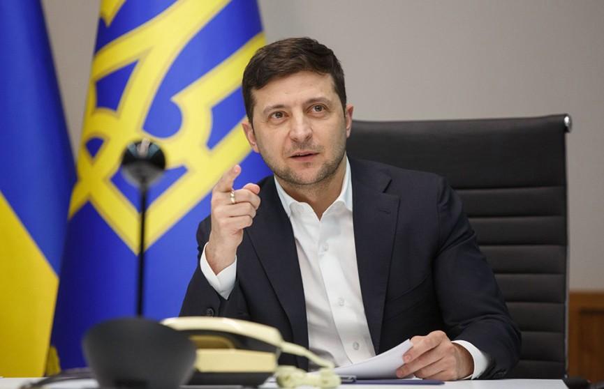 За что президенту Украины Владимиру Зеленскому грозят импичментом?