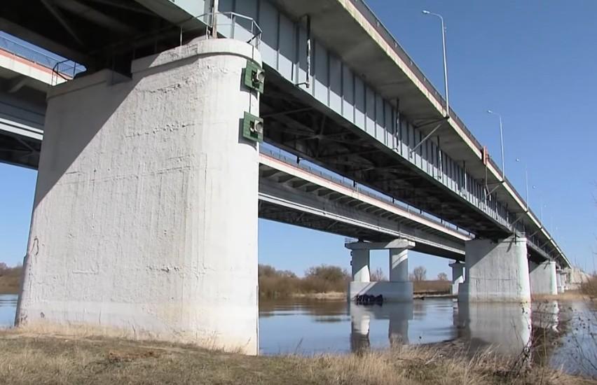 Мужчина позвонил «101» и сообщил, что готовится к самоубийству, после чего прыгнул с моста