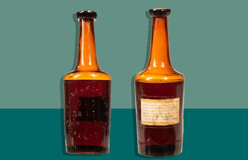 Самую старую в мире бутылку виски продали на аукционе за крупную сумму