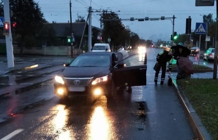 Автомобиль сбил женщину в Минске
