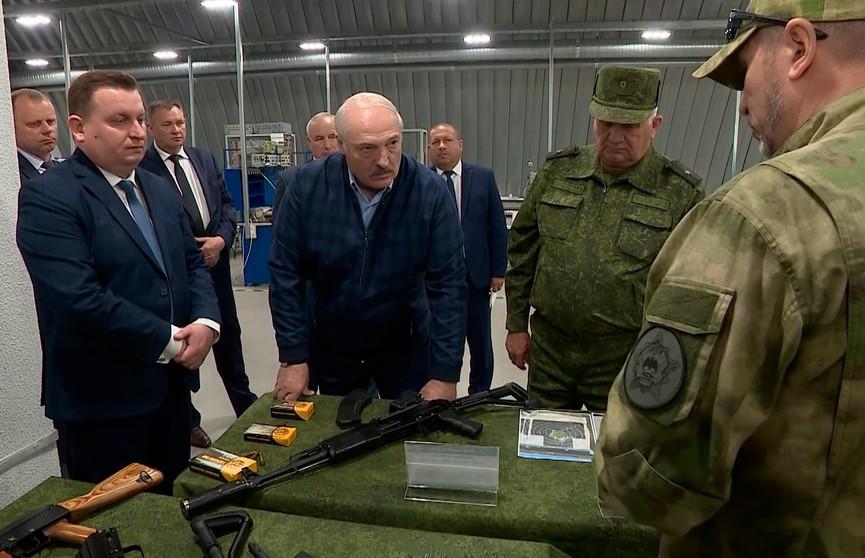 Рабочие поездки Лукашенко в Витебскую и Могилевскую области: как связаны военно-оборонительный и экономический профили – все подробности