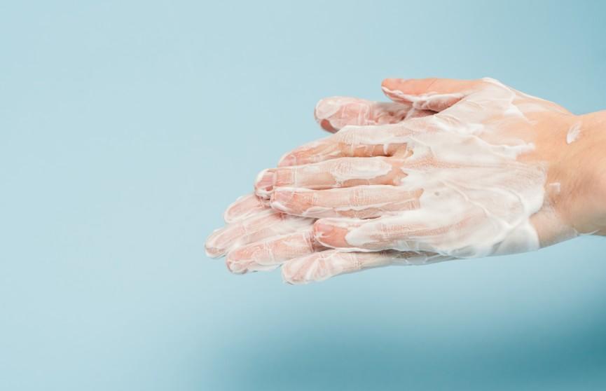 Как смыть с рук все вирусы? Ученые нашли верный способ