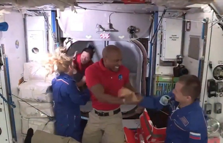 SpaceX успешно доставила астронавтов на МКС