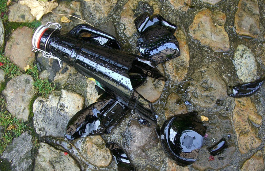 В Гродно пьяный мужчина травмировал ребенка бутылкой