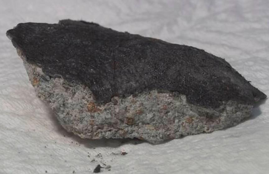 Несколько осколков метеорита упали на жилой дом в Японии