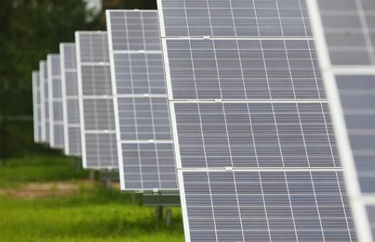 Как электроэнергию от солнечных батарей используют в Беларуси?