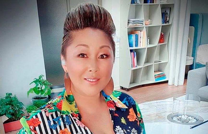 Пользователи соцсетей обвинили заразившуюся коронавирусом Аниту Цой в обмане