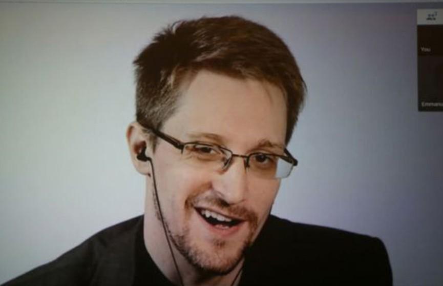 Эдвард Сноуден назвал свою книгу самой продаваемой в мире из-за иска США