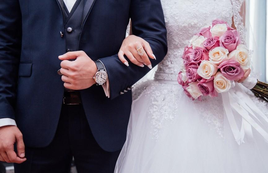 После свадьбы жена стала часто ездить к родителям: муж заподозрил неладное. И не зря!