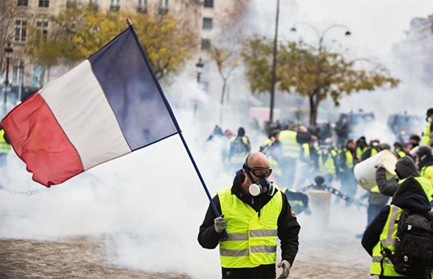 «Жёлтые жилеты» вышли на новую акцию протеста